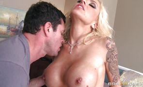 Spicy blonde floozy Nina Elle joyfully sucks a buddy's phallus
