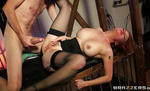 Horny woman Tarra White's pierced twat gets licked before a blowjob