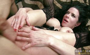Captivating bombshell Veronica Avluv has passionate sex