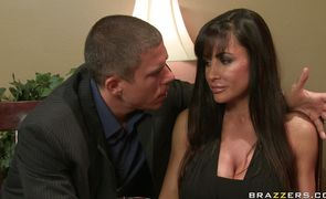 Naughty babe Lisa Ann got stuffed from the back until she started moaning and screaming from pleasure
