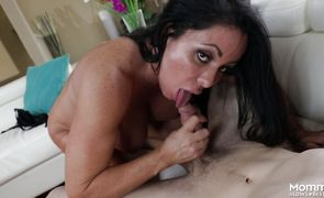 Curvaceous brunette bombshell Simone Garza got her love tunnel thoroughly licked and fucked