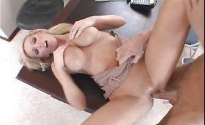Shameless blonde lady Nikki Benz gets used like a fuck toy