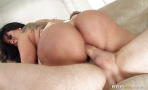 Filthy latin Kiara Mia and her guy playing poke the cave hard