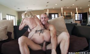 Blonde beauty Emma Starr with divine body is perfect for pounding