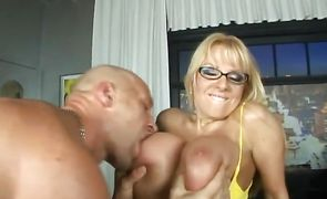 Sex appeal bombshell Harmony Bliss is sucking a shaft then getting plowed hard