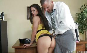 Luxurious busty brunette floosy Rachel RoXXX takes a deep doggy style banging