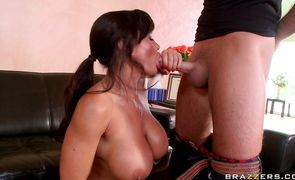 Brutal lover intensely fucks brunette Lisa Ann with great tits 's skinny gash in doggy style