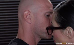 Wicked latin bombshell Ariella Ferrera with huge tits is eager to suck that big beef bayonet