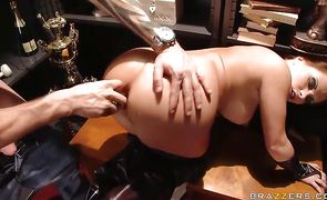 Lady Katja Kassin spreads legs wide open after performing delectable blowjob