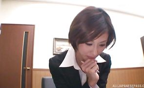Mouthwatering oriental bimbo Akari Asahina gives man a blowjob he will never forget