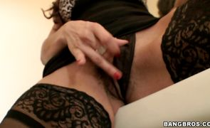 Diva with glorious parts of body gets vag nailed
