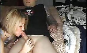 Sugary maid is doing her best to seduce and fuck fucker she likes a lot