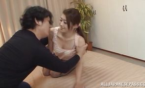 Sinful sweetie Maki Hokujo has a fuck with her well hung guy