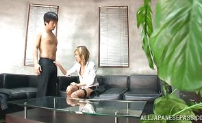 Worshipped exotic Nao Tachibana is about to have sex with a hunk she just met