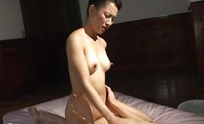 Vigorous bombshell Yumi Shindo with shapely body likes to flirt and seduce